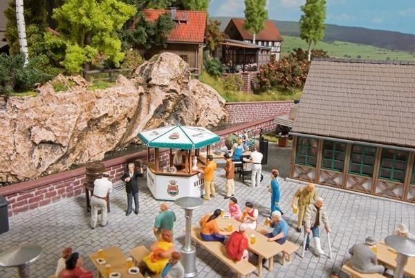 Busch 1048 Beer Garden Plastic Kit - HO/OO Gauge - Tracked 48 UK Post