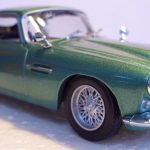 D-Agostini-Aston-Martin-DB4-Coupe-Metallic-Green-143-Scale-New-Bubble-Pack-121432396490-3