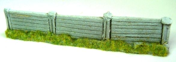 1:76 PF10 OLD DAMAGED LIGHT BROWN SLEEPER FENCING SECTION IN RESIN 00 TYPE 7